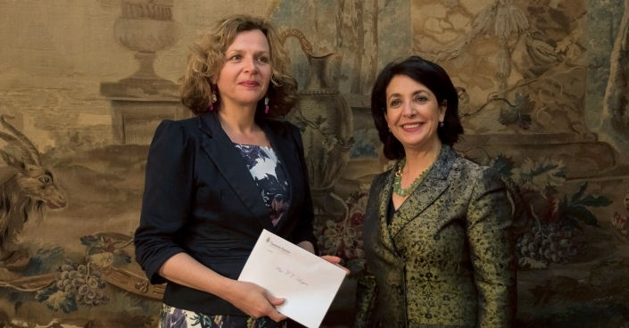 Ms Khadija Arib (right) and Ms Edith Schippers