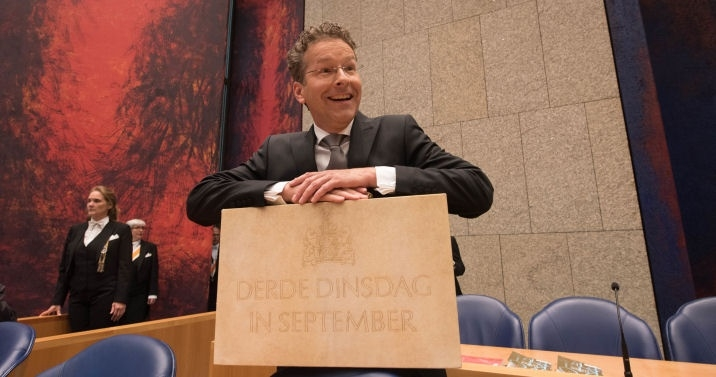 Former minister Dijsselbloem (Finance) with the briefcase containing the Prince's Day documents: the budget memorandum and the national budget.