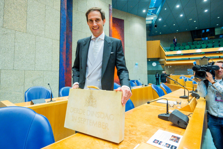 Wopke Hoekstra, Minister of Finance with the Prince's Day briefcase