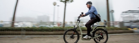A cyclist on a speed pedelec (electric bike capable of reaching speeds up to 45 km/hr)